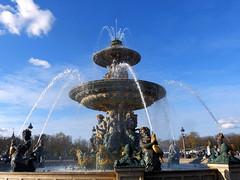 Place de la Concorde (Raymonde Contensous) Tags: paris placedelaconcorde fontaines fontainedesmers