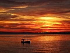 Colores del atardecer (Antonio Chacon) Tags: sunset espaa atardecer mar spain andalucia costadelsol puestadesol mediterrneo mlaga marbella