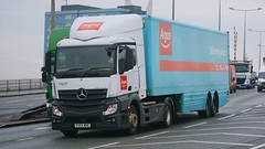 KX64 WNE (panmanstan) Tags: truck wagon mercedes transport lorry commercial delivery vehicle hull freight mp4 hgv actros a63