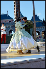 Tiana et Naveen (ramonawings) Tags: christmas sea paris france tree adam ariel beauty buzz eric princess toystory dusk chocolate clown tinkerbell prince peterpan noel christmastree disney donald parade eugene fairy tink aurora beast cinderella tiana mermaid princes eeyore riri fe philippe henri sleepingbeauty princesses gaston beautyandthebeast bele flynn aurore tangled fee princesse disneylandparis dlp sirene underthesea thelittlemermaid naveen cendrillon iknowyou clochette sapan patissiere bourriquet postier labelleetlabete onceuponadream raiponce lapetitesirene chocoat princessandthefrog laprincesseetlagrenouille bibidibobidibou