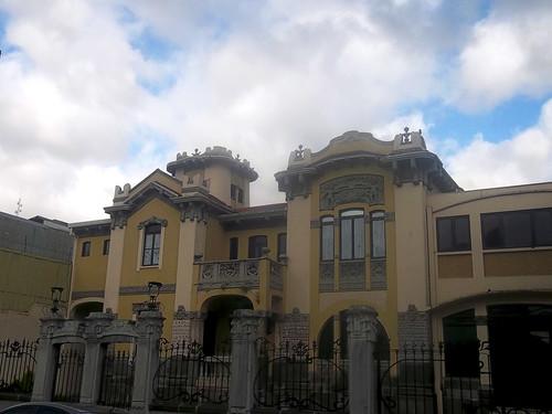 Antigua casa Jiménez de la Guardia av.1-1a, c.5/ Former Jiménez de la Guardia house 1st-1a av., 5th st.