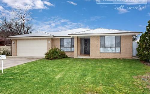 61 Undurra Drive, Glenfield Park NSW 2650