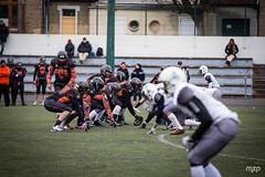 Line of scrimmage (mzagerp) Tags: football américain foot us scrimmage météores fontenay sous bois chevaliers orléans fédération française de gridiron tackle