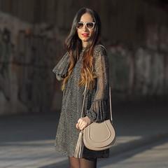 Hoy en el blog un nuevo look con un vestido que es perfecto para el embarazo y unos botines ideales. No os perdáis el resto del look y todos los detalles de las prendas en el blog, tenéis el enlace en mi Biografía, si pincháis en él, accedéis directos Por (WOWS_) Tags: fashion beauty moda belleza streetstyle