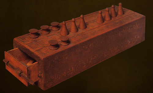 "Senet - Lujoso sistema de objetos lúdicos obsequio del dios Toht a la faraona Nefertari • <a style=""font-size:0.8em;"" href=""http://www.flickr.com/photos/30735181@N00/32481167236/"" target=""_blank"">View on Flickr</a>"