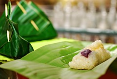 suman pasig (DOLCEVITALUX) Tags: sumanpasig suman glutinousrice philippines snack food delicacy dessert philippinefood philippinesnack