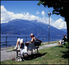 Rolleiflex Italy Trip 2015 (39) (Hans Kerensky) Tags: como 120 tlr rolleiflex lago la fuji scanner august velvia di punta bellagio 100 automat 35a 2015 plustek opticfilm anywhitefieldtagbyflickrsspamtagbot