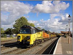 70808 Leamington Spa (Jason 87030) Tags: sky orange station yellow clouds october working royal lamps leamingtonspa engineers westbury 2015 colas bescot 70808 6m50