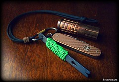 EDC setup with paracord wrist lanyards (Stormdrane) Tags: red black west green bar screw cord diy decorative country knife craft wrap utility rope hobby line led howto link copper reflective string tracer edc grip ti rare tool s10 cadet pry atwood everydaycarry multitool whipping useful lithium victorinox sak tether paracord maratac alox cr123 olight countycomm flashlilght stormdrane