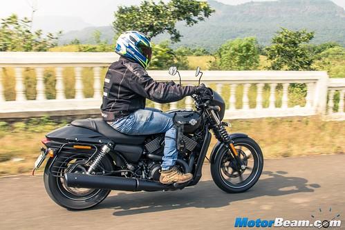 2016-Harley-Davidson-Street-750-05