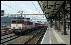 Locon 9902+NSB 73016 te Hengelo (Allard Bezoen) Tags: ex station train ns 1600 bm 1800 loc nsb 73 9900 trein norges hengelo 9902 triebwagen treinstel eloc locon gereviseerd revisie statsbaner bm73 overbrenging