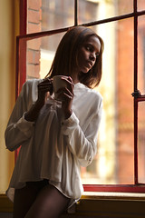 Marie Valerie (heikole-art.net) Tags: portrait woman white berlin cup window tasse coffee girl beautiful beauty face marie female canon mouth germany hair studio skinny deutschland eos model eyes gesicht soft pretty slim emotion tea feminine fenster gorgeous afro negro kaffee porträt blouse afrika braun augen frau tyskland tee modell schwarz ebony mädchen mund slender schönheit dünn bluse hår feminin haar tjej porträtt 2015 schlank snygg weis weiblich schön hübsch ansikte kvinna marievalerie kvinnlig 5dmarkii 5d2 heikole