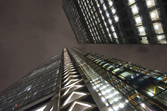 366/348 13Dec16 Converging Verticals (Romeo Mike Charlie) Tags: sthelens aviva leadenhall building skyscraper london city ec3 night architecture