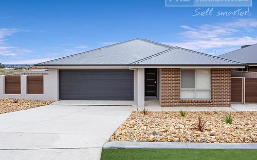 8 Tingwell Place, Lloyd NSW 2650