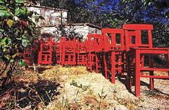19880500 Türkei Kusadasi Stühle (j.ardin) Tags: türkei türkiye turkey turquie turquía kusadasi rotestuehle stuhl stuehle chair chaise silla