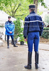 "bootsservice 10 5343 (bootsservice) Tags: armée army uniforme uniformes uniform uniforms cavalerie cavalry cavalier cavaliers rider riders cheval horse bottes boots ""ridingboots"" weston eperons spurs equitation gendarme gendarmerie militaire military ""garde républicaine"" paris"