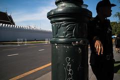 * (Sakulchai Sikitikul) Tags: street snap streetphotography summicron bangkok thailand 35mm leica sony a7s temple วัดพระแก้ว