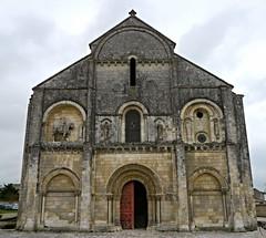 Où ai-je vu cette belle église? église Saint-Pierre-aux-Liens de Châteauneuf-sur-Charente, Charente. (Marie-Hélène Cingal) Tags: france église church chiesa iglesia kirche