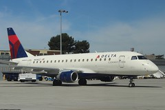 Delta Connection (So Cal Metro) Tags: e175 erj embraer compass compassairlines delta dal deltaairlines n614cz airline airliner airplane aircraft plane jet aviation airport san sandiego lindberghfield