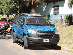 DSCN0139 (Upper Uhs) Tags: police policetruck cops truck lawenforcement law chevrolet nwq256 per entreríos security seguridad argentinien argentinapolice argentina polizia politie polizei pulizija policja poliisi polisi polícia policía blue polis azul