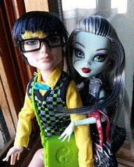 monster high frankie and jackson dating Monster high may get banned for ignoring certain moral values frankie is protective of jackson because her grandfather is not to mention cleo pre-dating.