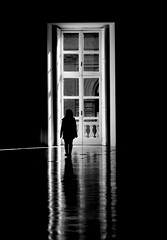 The darkness... (modestino68) Tags: bn bw riflessi reflects finestra window donna woman luci lights ombre shadows buio dark leonardcohen