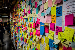 Sticky Note Therapy (Phil Roeder) Tags: newyorkcity nyc manhattan leica leicax2 unionsquare subway stickynotes stickynotetherapy postit election campaign politics