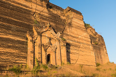 Mingun Pahtodawgyi (davidthegray) Tags: irrawaddy monastery myanmar mandalay temple buddhist pagoda ayeyarwady birmania burma irawadi irrawaddi paya stupa zedi မန္တလေး ဧရာဝတီမ္ရစ္ minkun sagaingregion myanmarburma mm