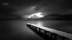 La déchirure (cedric.chiodini) Tags: nb noiretblanc blackandwhite bw paysage landscape lac lake annecy le longexposure poselongue canon