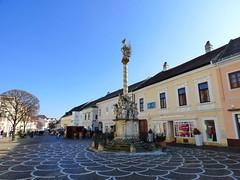 Eisenstadt: Hauptstraße mit Pestsäule / Main street with plague column