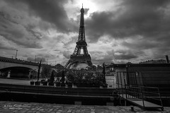 Toujours aussi flamboyante (Photoeric_) Tags: paris eiffel tour tower