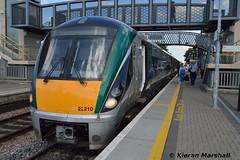 22010 at Portlaoise, 18/8/15 (hurricanemk1c) Tags: irish train rail railway trains railways irishrail rok rotem portlaoise 2015 icr iarnród 22000 22010 éireann iarnródéireann 3pce 1320heustonportlaoise