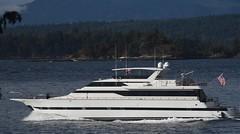 Mercedes super yacht (D70) Tags: canada island mercedes bc yacht galiano super columbia british channel trincomali