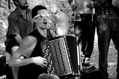 People of Lisbon pt. 2 (Ondeia) Tags: love portugal estate lisboa lisbon sing singer castello lisbona portogallo cantante allegria 2015 fisarmonica cantare