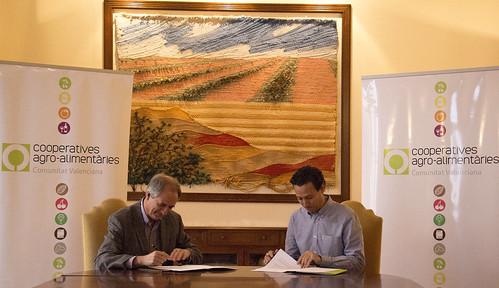 Firma Convenio con Fundación Global Nature (19-11-2015)