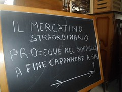 """mercatino straordinario dicembre 2015 preparazione  (21) • <a style=""""font-size:0.8em;"""" href=""""http://www.flickr.com/photos/127091789@N04/23430976141/"""" target=""""_blank"""">View on Flickr</a>"""