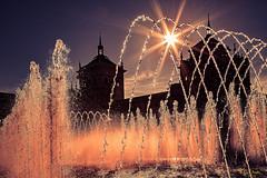 Liquid Firework - Valladolid 2015 (Eric R Porcher) Tags: 2015 201507 architecture castillayleon espagne europe valladolid eau castillayleón chaleur ambiance bassin bleu chaud ciel contrejour dégagé exterieur fontaine horizon hot jet soleil summer sun sunny été jetdeau