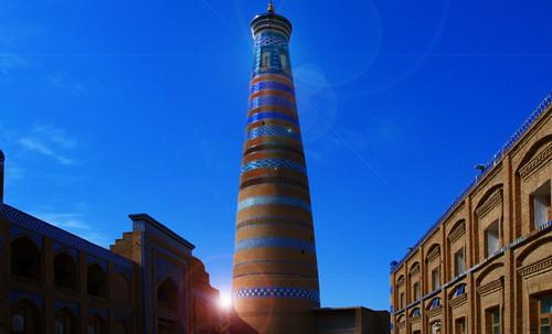 "Torres legendarias / Faros, minaretes, campanarios, rascacielos • <a style=""font-size:0.8em;"" href=""http://www.flickr.com/photos/30735181@N00/32411715831/"" target=""_blank"">View on Flickr</a>"