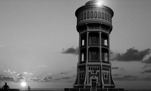 "Torres legendarias / Faros, minaretes, campanarios, rascacielos • <a style=""font-size:0.8em;"" href=""http://www.flickr.com/photos/30735181@N00/32493398436/"" target=""_blank"">View on Flickr</a>"
