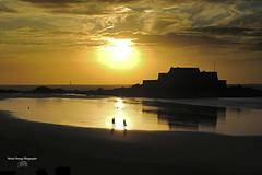 St Malo ( photopade (Nikonist)) Tags: france nikon nikond70 affinityphoto apple stmalo imac bretagnenord bretagne illeetvilaine paysage couleurs fr sunset