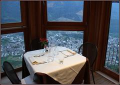 Roncaiola...Tavolo riservato vista Tirano (Maulamb) Tags: sedie tavolino ristorante roncaiola