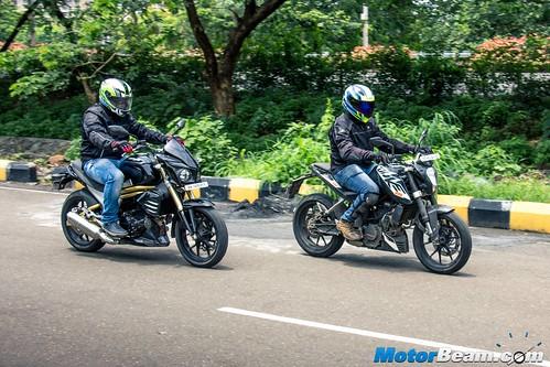 Mahindra-Mojo-vs-KTM-Duke-200-10