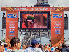 FIFA Fan Fest 2010 at Paris the 28.06.2010 (alexis boidron) Tags: world camera paris france cup netherlands face foot fan football cola head fifa soccer sony motors emirates international kia fest coca paysbas visage 2010 tf1
