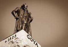 Goya (Charo R.) Tags: goya monumento escultura monocromática canon eos 100d
