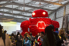 BalloonBot by Airigami at World Maker Faire 2016 - Airigami is the fine art of folding air.  Over 3000 Qualatex balloons and 100 worker hours went in to building Makey, the Maker Faire mascot, 20 feet tall for World Maker Faire.