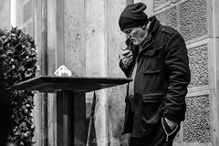"""pipe smoker"" (nelly_tran_photography) Tags: 2016 streetfotografie zürich pipe smoker fuji xt2"