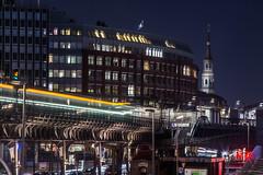 U-Bahnstation Baumwall (wernerlohmanns) Tags: hamburg deutschland reise hamburgerhochbahn ubahn nachts langzeitbelichtung blauestunde reflexionen