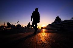 Look up at the evening sky (kazs2307) Tags: sunset silhouette twilight yokohama 夕景 シルエット 夕暮れ 空 横浜 大桟橋