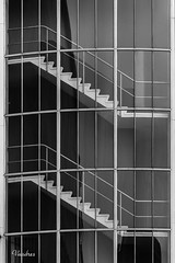 HOTI102014-231R-BYN_FLK (Valentin Andres) Tags: bw blackwhite blancoynegro byn holanda holland rotterdam thenetherlands art blackandwhite building city edificio house