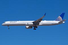 United Airlines Boeing 757-300 N57868 (jbp274) Tags: las klas mccarran airport airplanes unitedairlines united ua boeing 757